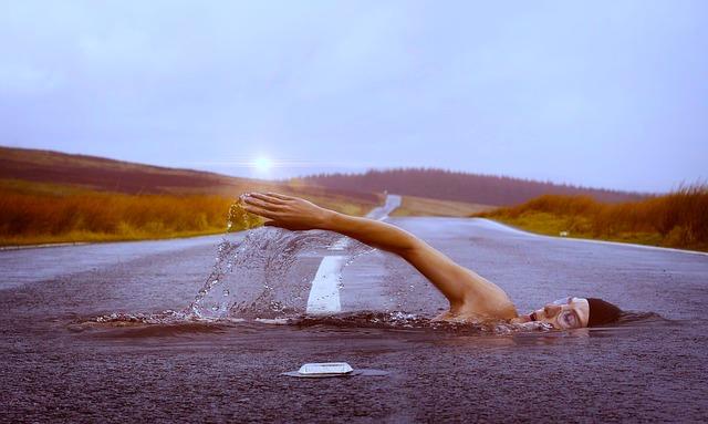 疲れないクロールの泳ぎ方とは【元水泳日本代表解説】